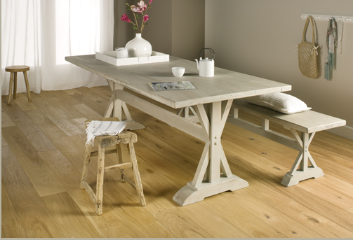 Wood You Like's simple and honest wood-engineered Oak rustic floor grounds your relaxed interior design style