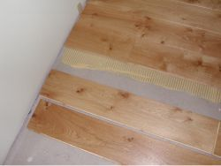 Duoplank Oak Rustic glued to Underfloorheating